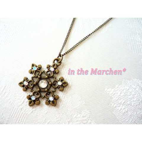 【in the Marchen*】「古雪の結晶」ネックレス きらめき