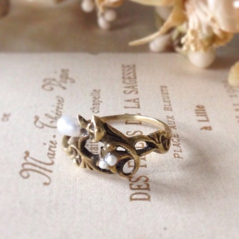 【La maison de Lilli】Pearl Flower Ring 《Antique Gold》 9号