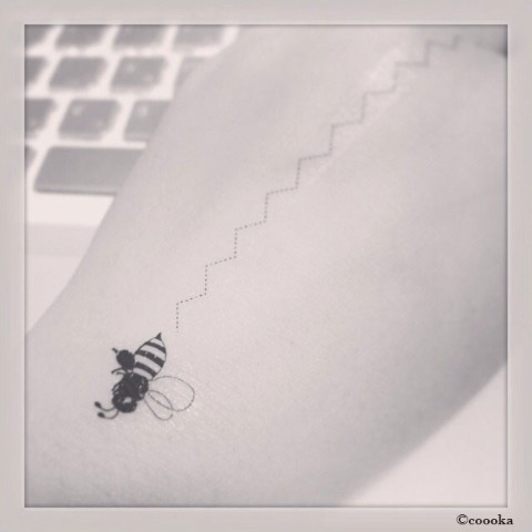 【COOOKA】honey bee tatoo sticker