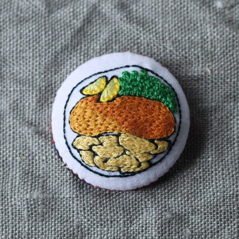【CATS FACE】FISH AND CHIPS  刺繍ブローチ