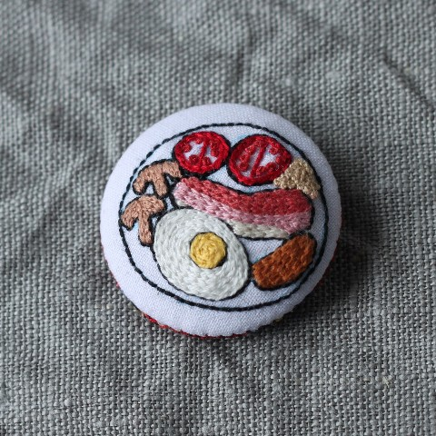 【CATS FACE】English breakfast  刺繍ブローチ