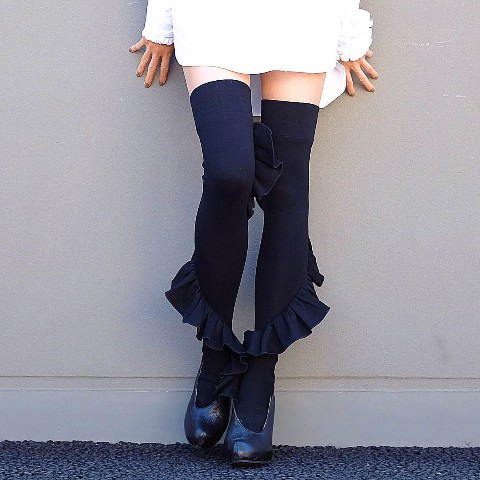 ERIMAKI SOX Frill knee high BLACK
