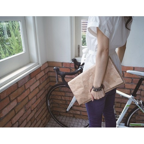 SLOWER BAG CLUTCH BROWN