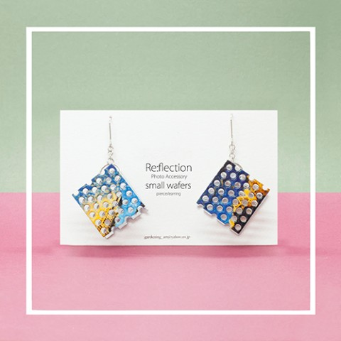 【Re:flection】small wafersピアス(blue yellow)