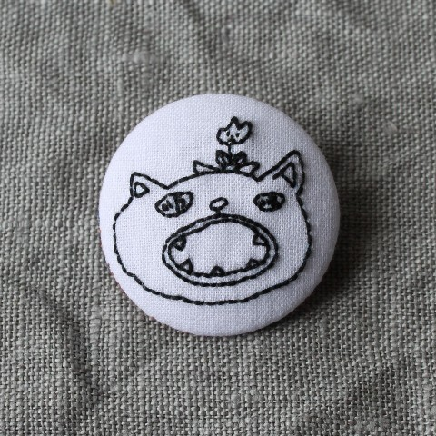 【CATS FACE】CATS FACE  刺繍ブローチ