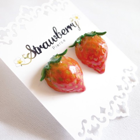 【mountain*tree】Juicy Strawberryピアス